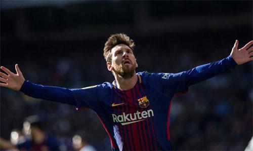 Bàn thắng trong trận cuối năm kịp đưa Messi vượt lên. Ảnh: Reuters