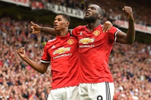 Rashford và Lukaku thường đá chính trên hàng công Man Utd mùa này. Ảnh: Reuters.