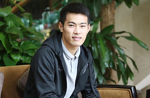 Chia sẻ với VnExpress, Sarach Yooyen cho biết anh chưa có ý định ra nước ngoài thi đấu bởi đang cố gắng tìm lại phong độ sau chấn thương nặng mùa giải vừa qua. Ảnh: Lâm Thoả