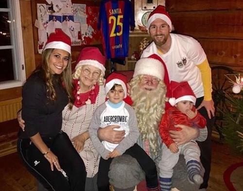 Đại gia đình Messi quây quần đêm Giáng sinh. Ảnh: Instagram.