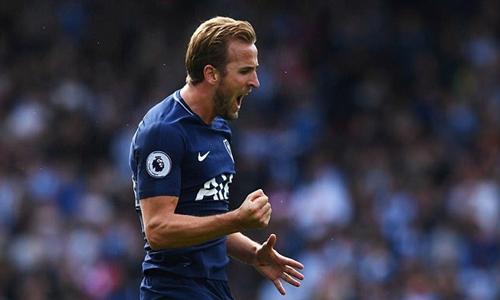 Kane mừng bàn thắng vào lưới Hudderfield hồi tháng Chín. Ảnh: PA.
