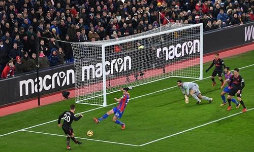 Tình huống mở tỷ số của Mustafi. Ảnh: Arsenal FC.