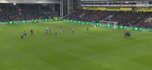 Nhiều đồng đội không đến chia vui cùng Sanchez. Ảnh: Sky Sports.