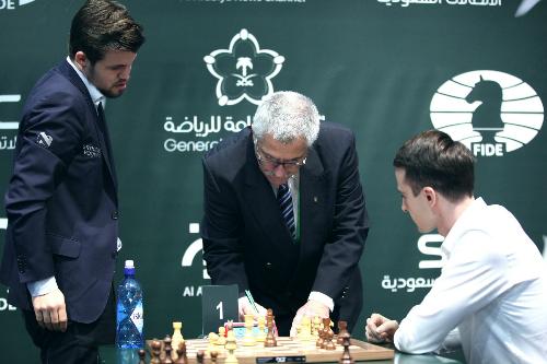 Sự cố trong ván Carlsen - Inarkiev trở thành tâm điểm của giải. Ảnh: FIDE.