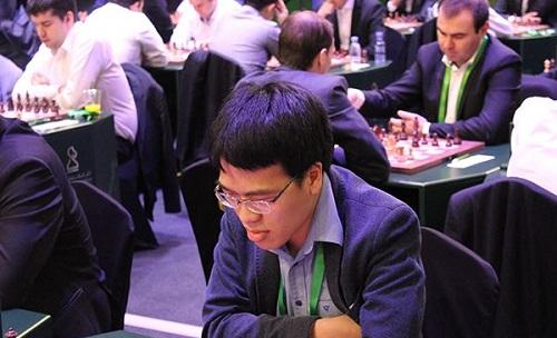 Quang Liêm hồi sinh sau nội dung cờ nhanh không thành công. Ảnh: FIDE.