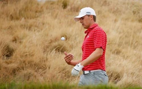 Jordan Spieth chưa chơi đúng sức trong ngày mở màn sự kiện PGA Tour đầu tiên của năm 2018. Ảnh: Reuters.