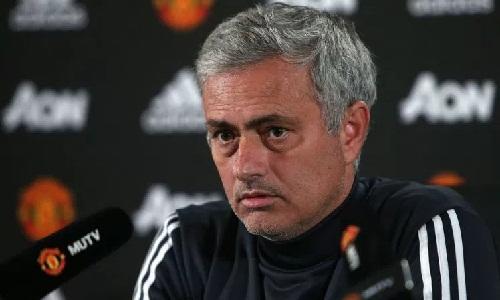 Mourinho cho rằng ông đang tạo nền móng cho thành công của HLV tiếp theo tại Man Utd. Ảnh: Reuters.