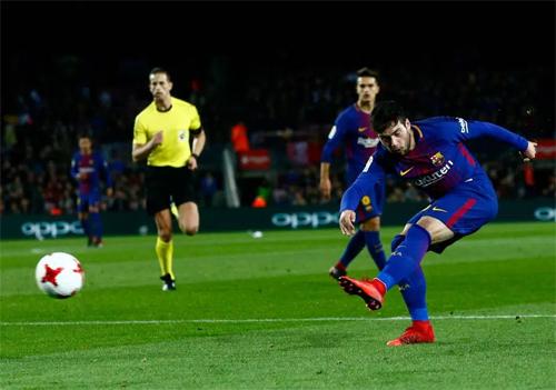 Arnaiz có duyên ghi bàn trong cả ba lần dứt điểm đầu mỗi trận. Ảnh: Reuters