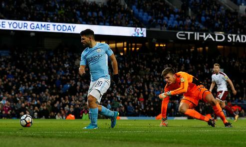 Aguero ghi 11 bàn sau tám trận Cup FA chơi trên sân Etihad. Ảnh: Reuters.