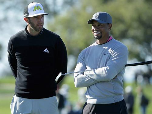 Dustin Johnson gặp rắc rối tương tự như Tiger Woods. Ảnh: Reuters.