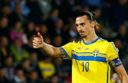 Ibrahimovic trong màu áo tuyển Thụy Điển. Ảnh:Reuters.