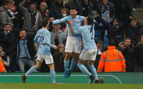 Niềm vui của các cầu thủ Man City sau khi giành chiến thắng. Ảnh:Reuters.