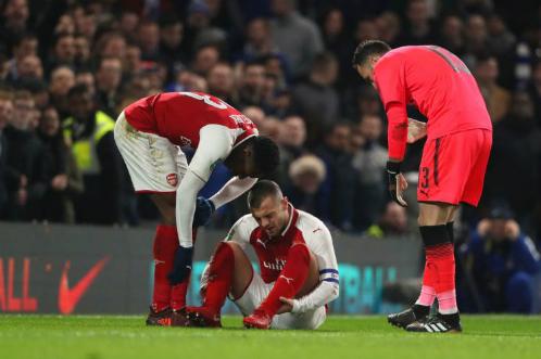 Arsenal hòa Chelsea ở bán kết lượt đi Cup Liên đoàn
