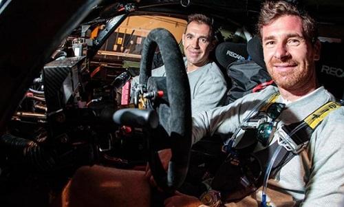 Villas-Boas và bạn cùng đua phải rút khỏi cuộc đua sau vụ tai nạn. Ảnh: Instagram/avbdakar.