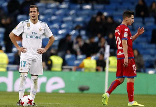 Vazquez (trái) không thể vui dù ghi hai bàn. Ảnh: Marca