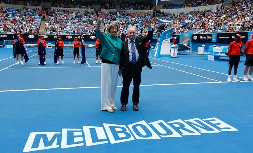 Court cùng Rod Laver tại Australia Mở rộng 2015. Ảnh: AP.
