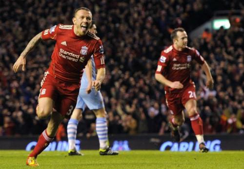 Bellamy từng có hai giai đoạn khoác áo Liverpool. Ảnh:Reuters.
