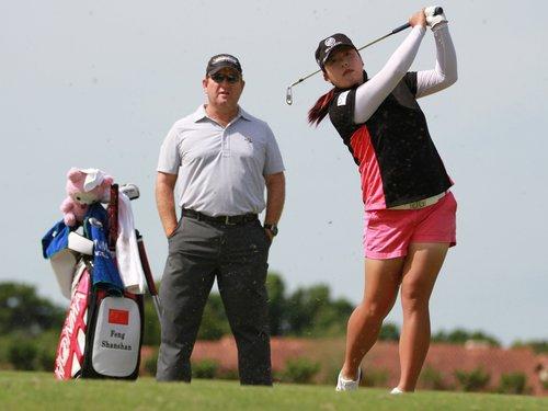 HLV Gary Gilchrist là người hỗ trợ tích cực cho Feng Shanshan trong chặng đường chinh phục LPGA Tour và trở thành số một thế giới. Ảnh: ESPN.