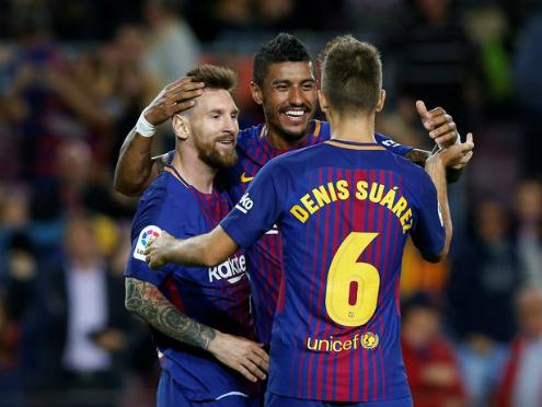 Messi và các đồng đội đã có thể nghĩ về những kỷ lục. Ảnh:Reuters.