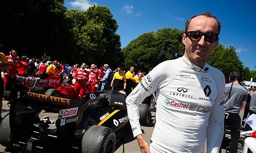 Kubica đặt mục tiêu trở lại đường đua trong tương lai. Ảnh: Motosport.
