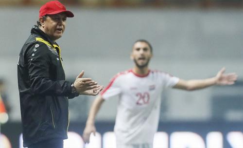 Thầy trò HLV Afash cần một chiến thắng để nuôi hy vọng đi tiếp. Ảnh: AFC.