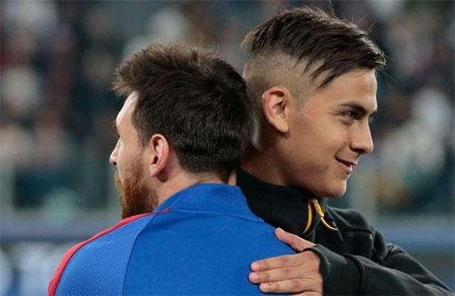 Messi và Dybala trong một lần gặp nhau tại Champions League. Ảnh: Reuters