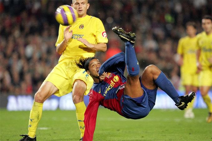 10 bàn đẹp nhất trong sự nghiệp của Ronaldinho