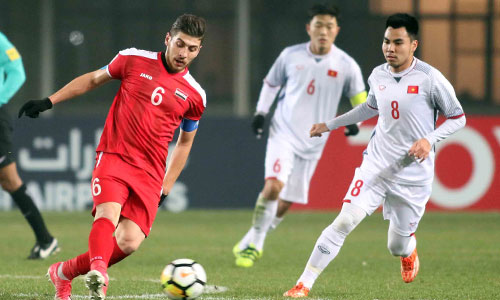 Xuân Trường (6) tìm lại phong độ cao và là người giữ nhịp cho U23 Việt Nam ở giải đấu này. Ảnh: Anh Khoa.