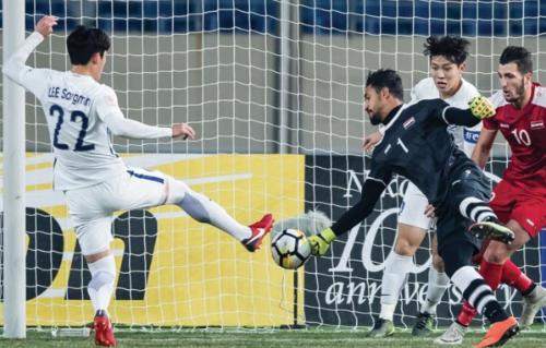 Syria càng đá càng tiến bộ tại giải U23 châu Á 2018, khi thua Australia 1-3 trong trận ra quân, rồi cầm hoà đương kim Á quân Hàn Quốc. Ảnh: AFC.