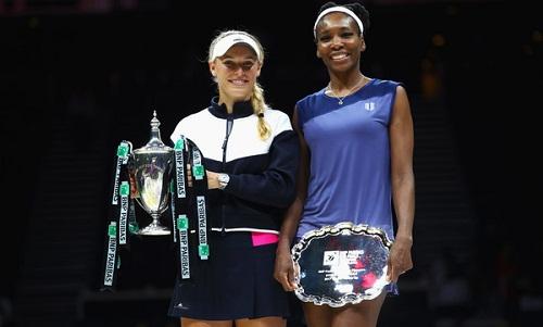 Wozniacki đánh bại Venus Williams để đăng quang WTA Finals 2017. Ảnh:Reuters.