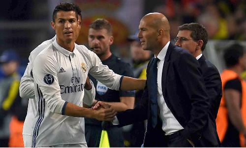 Thành công của Zidane trong hai năm qua gắn liền với Ronaldo. Ảnh:AFP.