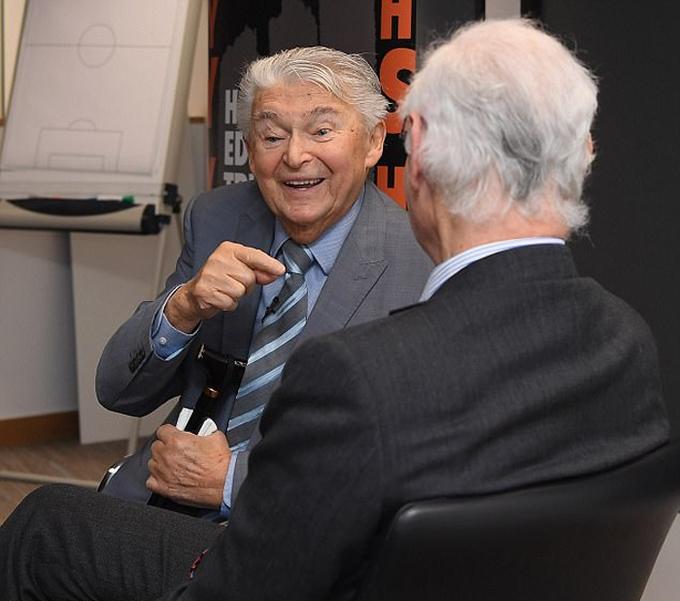 Cụ ông 88 tuổi kể về thảm họa Holocaust cho Chelsea