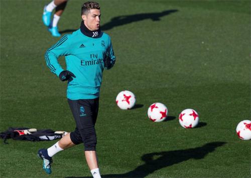 Ronaldo không còn nhận được sự ủng hộ của đa số CĐV Real Madrid.