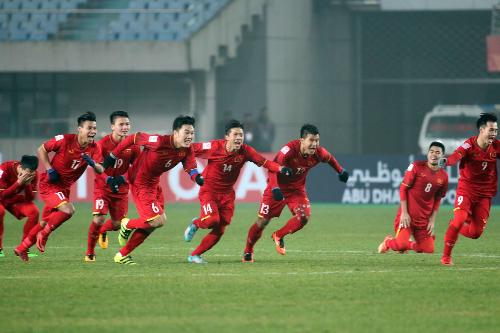 Đoàn hùng binh áo đỏ đã cùng nhau làm nên lịch sử cho bóng đá Việt Nam. Ảnh: Anh Khoa.
