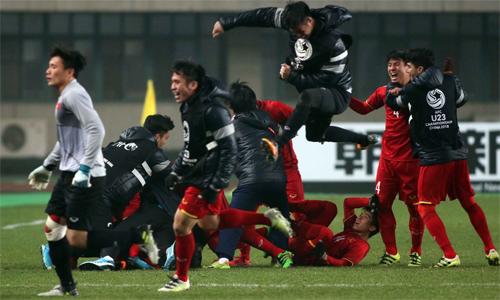 Việt Nam là một trong những đội có tuổi trung bình ít nhất tại giải. Ảnh: Anh Khoa.