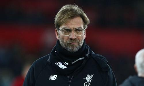 Klopp tức giận vì màn trình diễn của Liverpool. Ảnh: Reuters.
