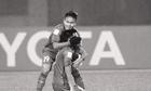 Gạt nỗi đau mất người thân, tuyển thủ U23 Việt Nam chơi trọn trận thắng Qatar