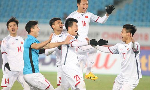 Niềm vui vỡ oà vào chung kết của U23 Việt Nam. Ảnh: Anh Khoa.