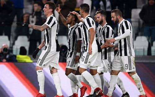 Juventus thi đấu chắc chắn, giành ba điểm trước Genoa. Ảnh: AFP.