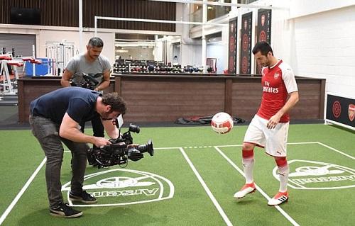 Mkhitaryan coi Arsenal là đội bóng trong mơ. Ảnh: AFC.