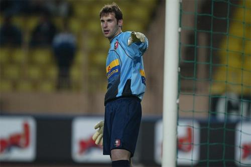 Cech khi còn bắt cho Rennes năm 2003.