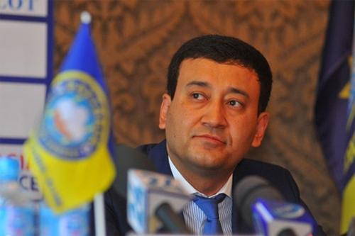 Ahmadjanov vừa rời chiếc ghế Chủ tịch Liên đoàn bóng đá Uzbekistan. Ảnh: Reuters.