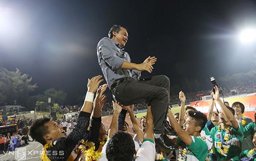 Bầu Đức sẽ rút lui khỏi Liên đoàn bóng đá Việt Nam, nhưng cam kết vẫn âm thầm hỗ trợ bóng đá nước nhà. Ảnh: Đức Đồng.