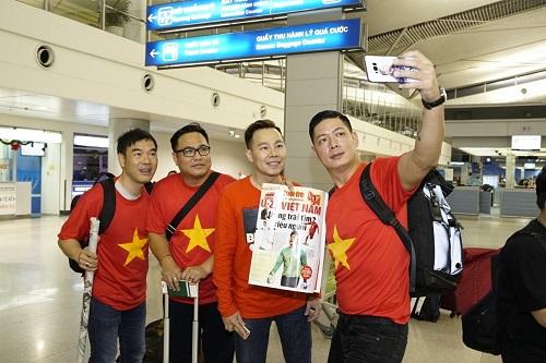Tàu bay gồm 200 cổ động viên gồm hành khách Việt Nam và Hàn Quốc.