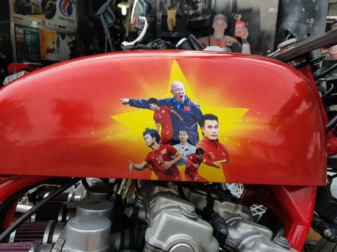 Môtô hàng 'khủng' của tay độ cuồng U23 Việt Nam