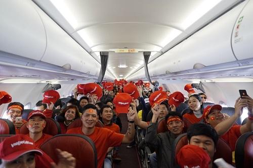 Tất cả hành khách trên chuyến bay có chung niềm tin đội tuyển sẽ làm nên lịch sử.