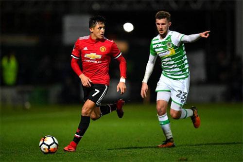 Sanchez sớm hòa nhập vào lối chơi của Man Utd. Ảnh: Reuters