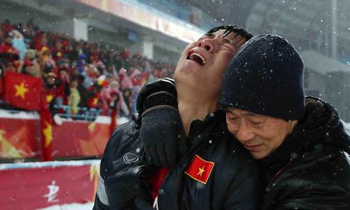 Cầu thủ Việt Nam từ biệt giải U23 châu Á trong nước mắt