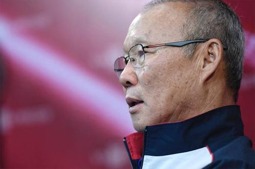 Ông bất chợt xúc động khi nhắc đến tinh thần và ý chí của các cầu thủ U23 Việt Nam. Ảnh: Giang Huy.
