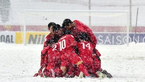 Tờ Sina nghi ngờ về khả năng duy trì thành công của bóng đá Việt Nam.